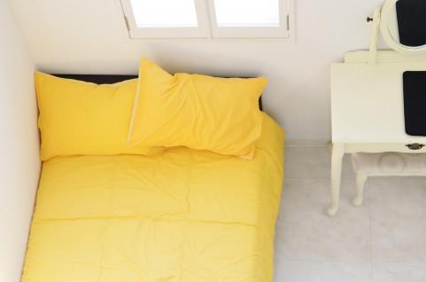 狭い部屋だとどんなベッドを置けばいい?注意点と狭い部屋を少しでも広く見せる方法